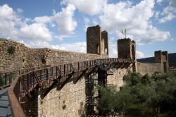 Monteriggioni walls by Paolo Ramponi