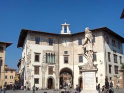 piazza dei cavalieri by wikipedia
