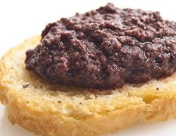 crostini-con-pate-di-olive