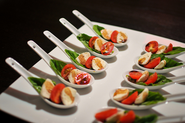Italian Recipes. Caprese salad (pictures) | Unseentuscany